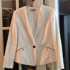 Kasper Ivory 1 button blazer